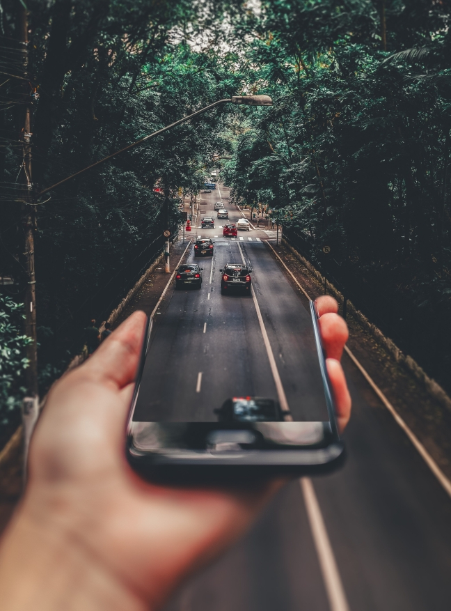 roadtrippinphone-matheus-bertelli-via-pexels-license.jpg
