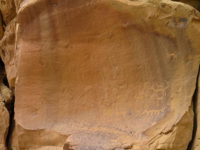 Una Vida petroglyphs at Chaco